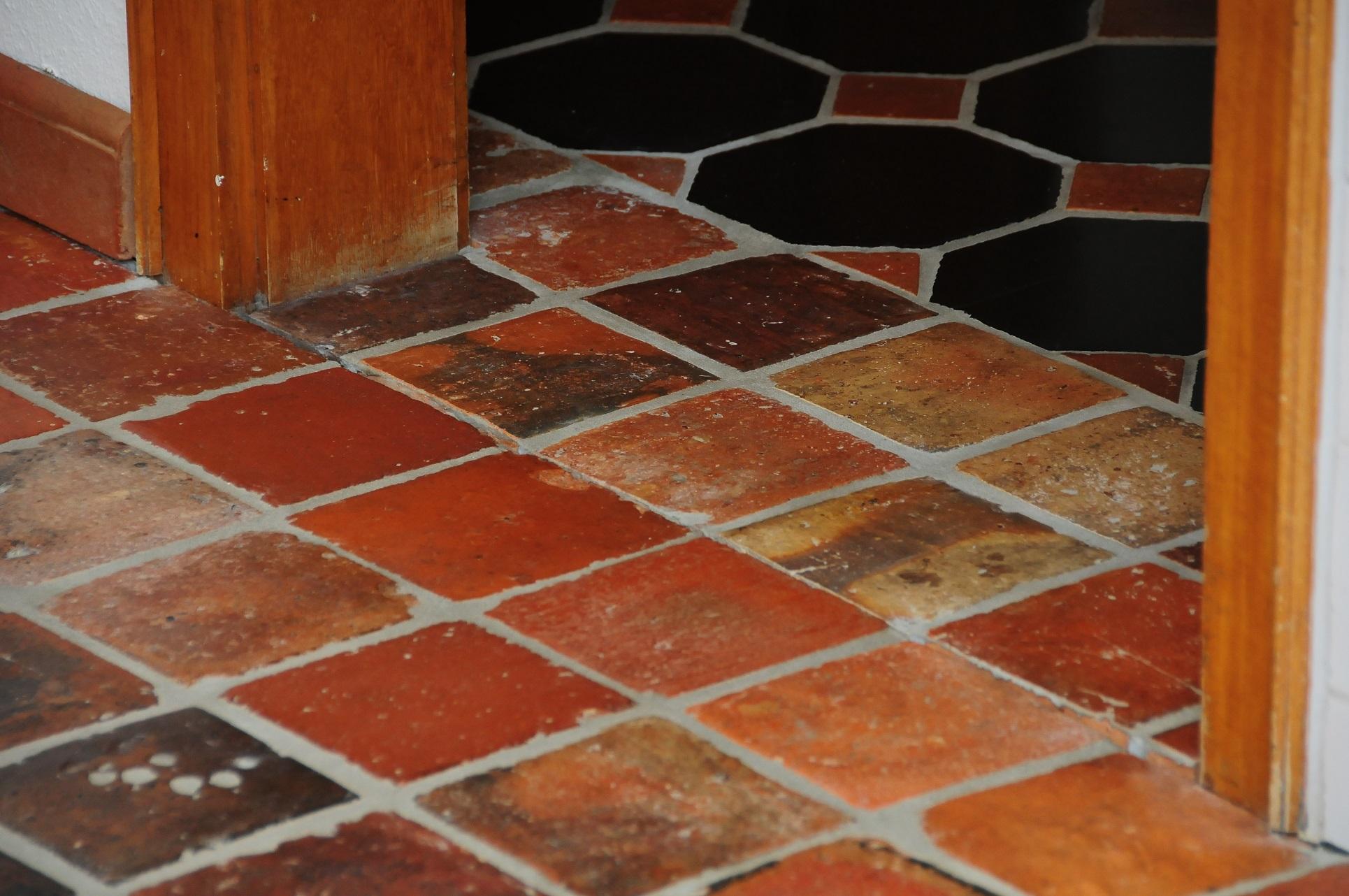 terracotta fliesen reinigen finest mit with terracotta. Black Bedroom Furniture Sets. Home Design Ideas